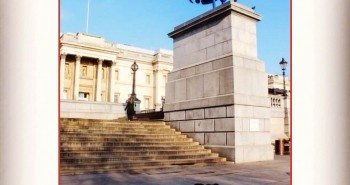 Pawcards from London - Trafalgar Square