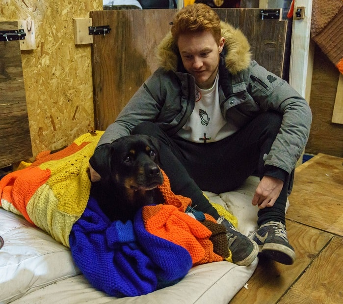 Mayhew Helps Dogs Of The Homeless At Crisis At Christmas Survivor with a Crisis Volunteer