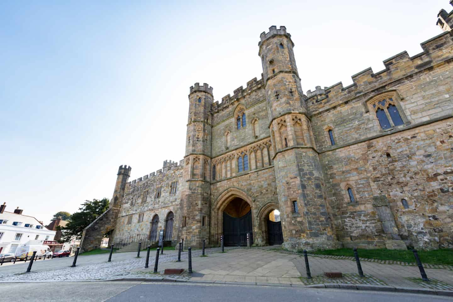 Dog-Friendly Days Out To Escape London For The Day - 1066 Battle of Hastings