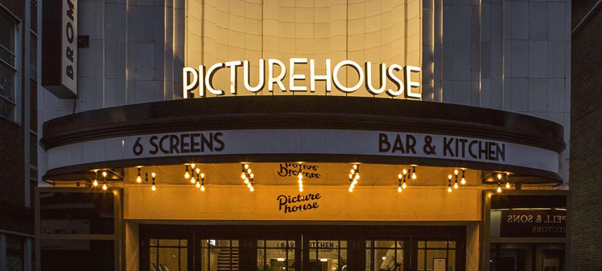 Dog-friendly Cinema Downton Abbey