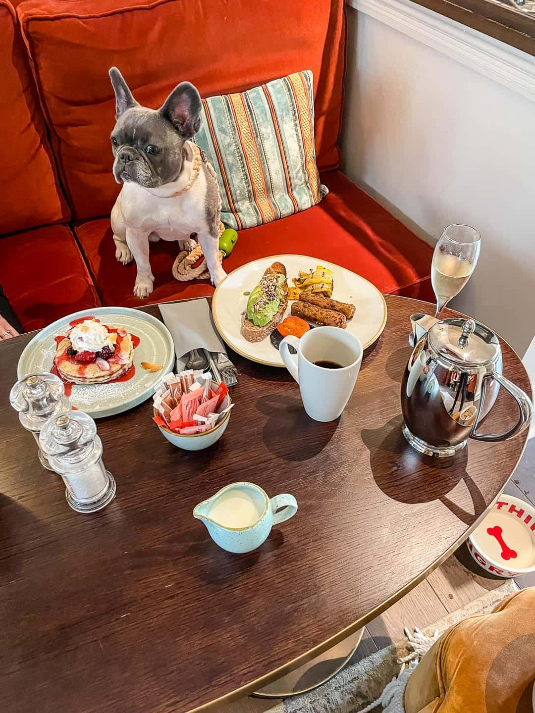 Breakfast is served at the dog-friendly Richmond Hill Hotel